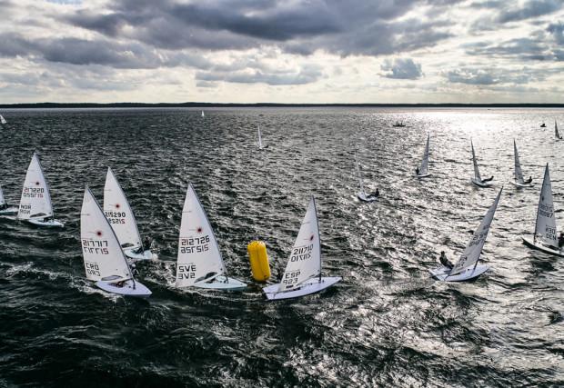 Do worku blisko trzysta żeglarek i żeglarzy rywalizować będzie w Gdańsku o medale mistrzostw Europy w klasach: Laser Standard i Laser Radial.