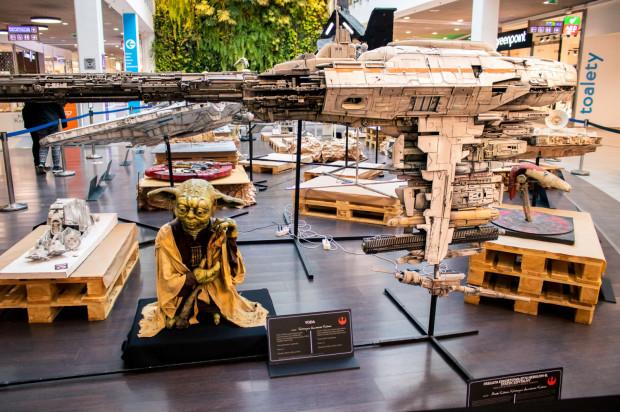 Kto nie odwiedził wystawy Star Wars, ma jeszcze czas, żeby nadrobić zaległości. Modele będą stać w Galerii Przymorze do 17 października.