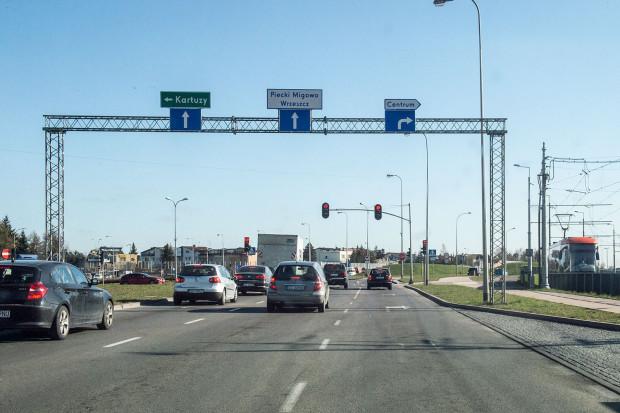 Pod koniec roku, kierowcy jadący w kierunku skrzyżowania alei Havla i Armii Krajowej będą mieli do dyspozycji aż dwa prawoskręty. Inwestycja powinna znacznie odkorkować to jedno z najbardziej newralgicznych skrzyżowań w Gdańsku.