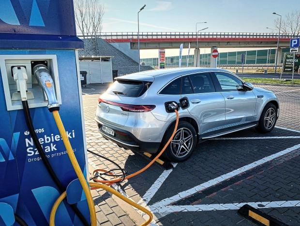 Weź udział w EQ Tour i sprawdź możliwości m.in. w pełni elektrycznego SUV-a, modelu EQC.