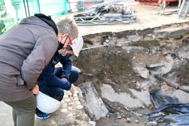 Remont Wielkiego Młyna odbywa się pod nadzorem archeologów.