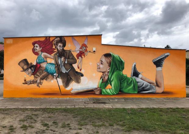 Nowy mural Looneya powstał na ścianie biblioteki miejskiej na gdańskiej Przeróbce.