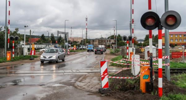 Władze miasta przekonują, że wiadukt nad torami do portu też jest  potrzebny, bo będą one wykorzystywane dużo częściej niż do tej pory.