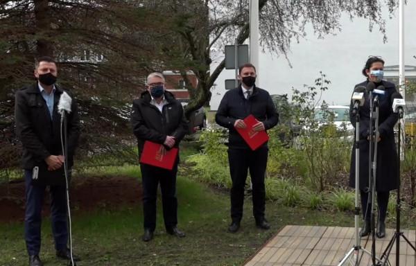 Władze Gdańska zorganizowały w piątek konferencję prasową ws. objęcia miasta czerwoną strefą.
