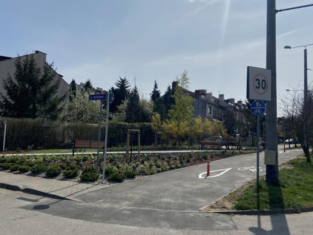 Park kieszonkowy na Dąbrowie.