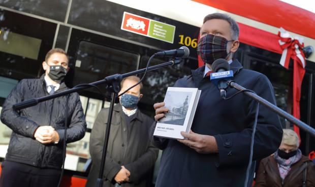 """Trzecie wydanie powieści """"W gdańskiej twierdzy"""" dostępne jest już w sprzedaży w cenie 49,99 zł. Nz. Waldemar Ossowski, dyrektor Muzeum Gdańska."""