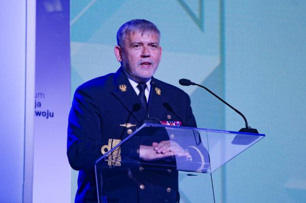 Rektor komendant Akademii Marynarki Wojennej kontradmirał prof. dr hab. Tomasz Szubrycht.