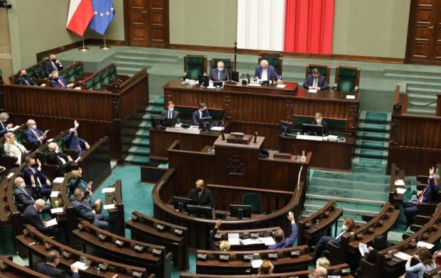 Posłowie i samorządowcy z Trójmiasta apelują, by ustawa metropolitalna jak najszybciej trafiła pod obrady Sejmu.
