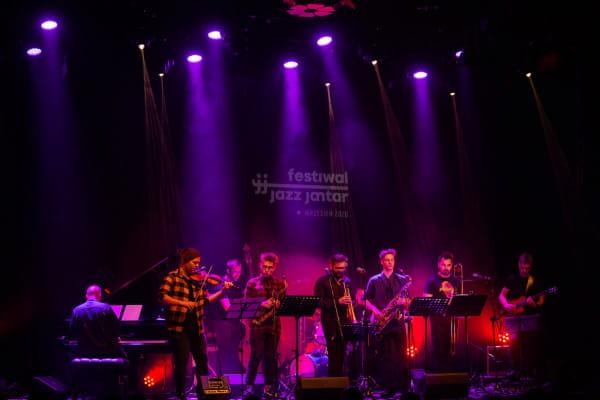 Klub Żak zaprasza na koncerty Festiwalu Jazz Jantar. Na zdjęciu: Emil Miszk The Sonic Syndicate, wrzesień 2020.