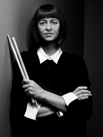 Katharina Ernst zaprezentuje publiczności swoje osobiste, solowe oblicze.