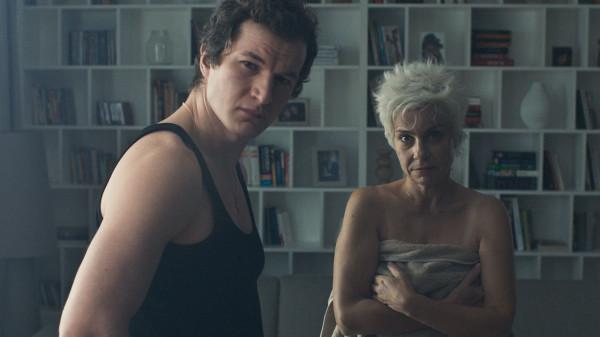 """""""Śniegu już nigdy nie będzie"""" to najnowszy film Małgorzaty Szumowskiej, który powalczy w Gdyni o Złote Lwy. Produkcja będzie także polskim kandydatem do przyszłorocznego Oscara w kategorii """"najlepszy film międzynarodowy""""."""
