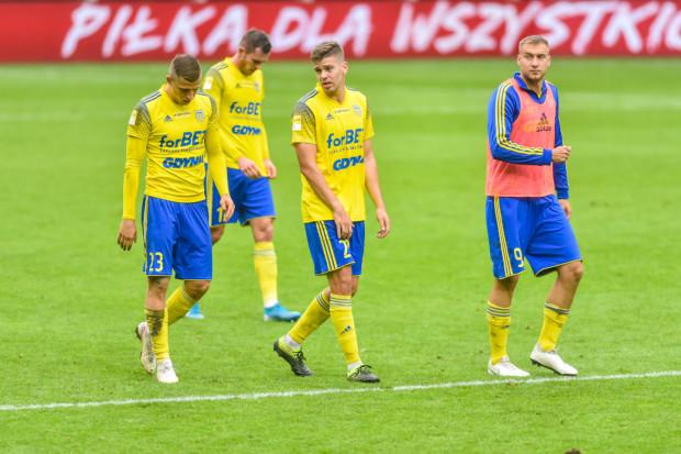 Ireneusz Mamrot przypomina, że piłkarze Arki Gdynia przegrali na razie tylko jeden mecz i to nie on kreował ich na faworytów Fortuna I ligi, dlatego po ostatnich punktach, które uciekły, żadnych nerwowych ruchów nie będzie.