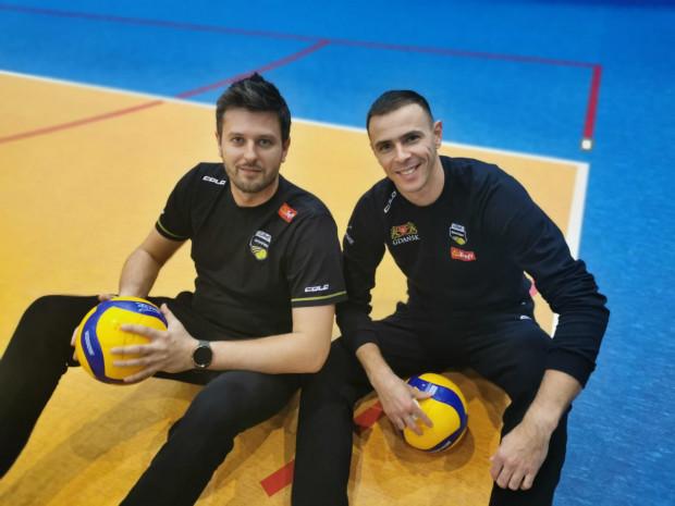 Michał Winiarski (z lewej) i Mariusz Wlazły (z prawej) zameldowali się w Rzeszowie.