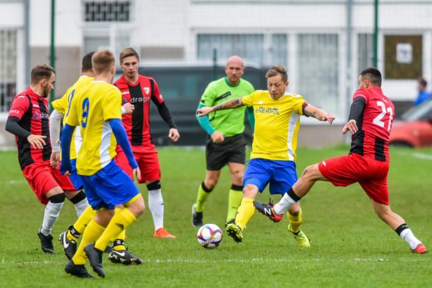 Porażka Enerpolu Nadmorska Liga Szóstek (żółto-niebiescy) z Jaguarem Gdańsk (czerwono-czarni) była jednocześnie pożegnaniem z tegoroczną edycją Pucharu Polski na Pomorzu.