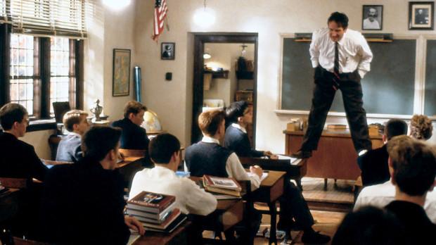 """Film """"Stowarzyszenie Umarłych Poetów"""" w 1990 roku zdobył Oscara za za najlepszy scenariusz oryginalny."""