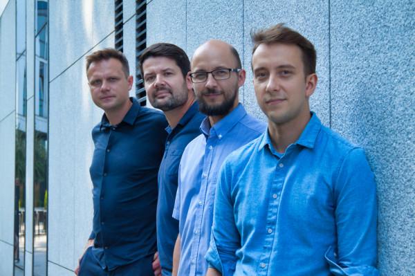 Firma OdbierzSpozywke rozwijana jest obecnie przez zespół czterech współwłaścicieli. Na zdjęciu od lewej: Bartosz Rożan, Sebastian Wróbel, Michał Uberman, Wojciech Bakłażec.