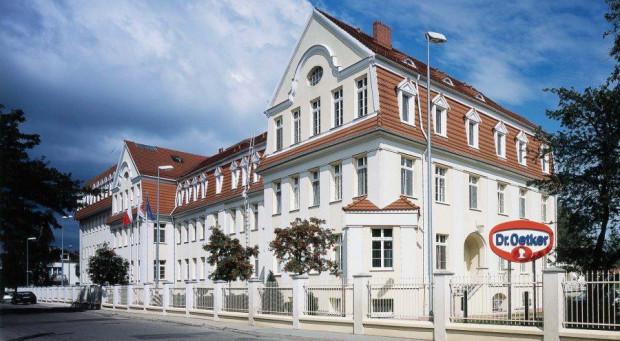 W gdańskich zakładach Dr. Oetkera wybudowane zostały dodatkowe pomieszczenia socjalne w oparciu o ustawę lex COVID, by pracownicy mogli zachować większe odstępy od siebie.