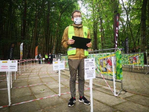 Choć imprezy odbywają się na świeżym powietrzu, organizatorzy pilnują wytycznych sanitarnych.