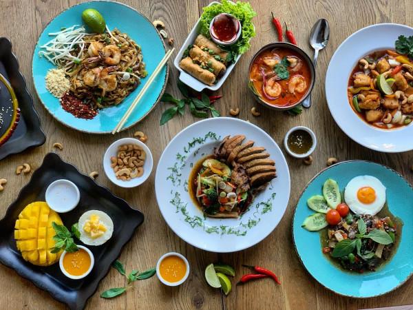 W kuchni tajskiej ważne jest łączenie różnych smaków - słodkiego, słonego, ostrego i kwaśnego.