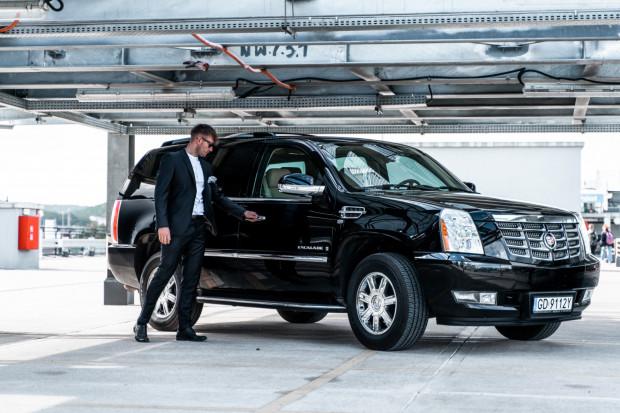 Wypożycz luksusowego Cadillaca Escalade.