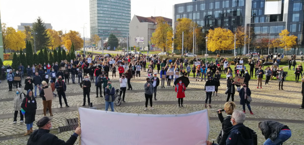 Początek protestu na Placu Solidarności w Gdańsku.