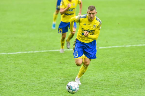 Rafał Wolsztyński strzelił 4 gole w IV-ligowych derbach Trójmiasta. Arka II Gdynia wygrała z Lechią II Gdańsk 5:1.