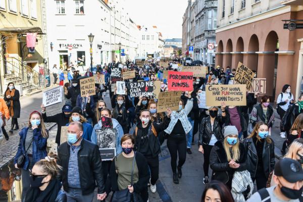 W miniony weekend na ulicach Trójmiasta protestowały dziesiątki tysięcy osób.