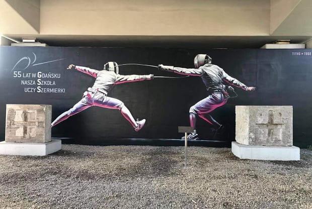 Nowy mural powstał na ścianie wiaduktu PKM przy ul. Polanki.