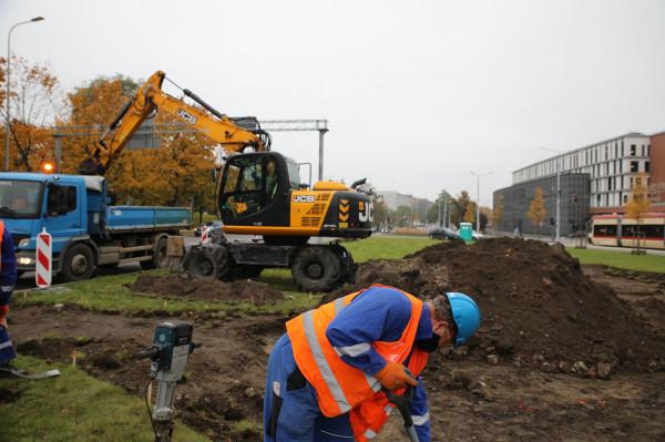 Prace przy założeniu ogrodu deszczowego w centrum Gdańska trwają od poniedziałku i przez najbliższe cztery tygodnie mogą powodować utrudnienia w ruchu.
