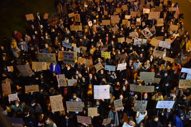 Protestujący w Gdyni.