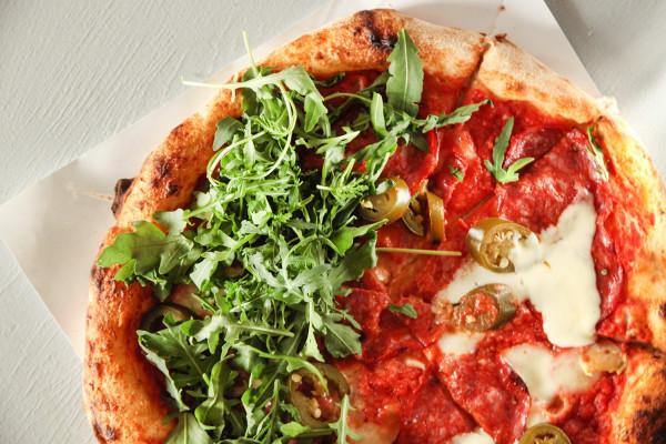 Pizza Spinata od NOI pizza i wino.