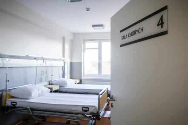 Baza łóżek dla pacjentów zakażonych koronawirusem powiększy się o 243, w tym 17 z respiratorami oraz 10 z tlenoterapią.
