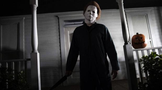"""""""Halloween"""" Johna Carpentera to absolutna klasyka kina grozy i obowiązkowa pozycja na liście halloweenowych filmów."""