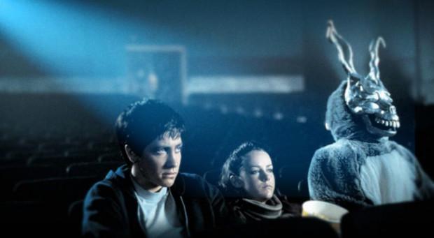 """W """"Donniem Darko"""" Halloween stanowi kulminacyjny moment dziwacznych zdarzeń, które przytrafiają się głównemu bohaterowi filmu Richarda Kelly'ego."""