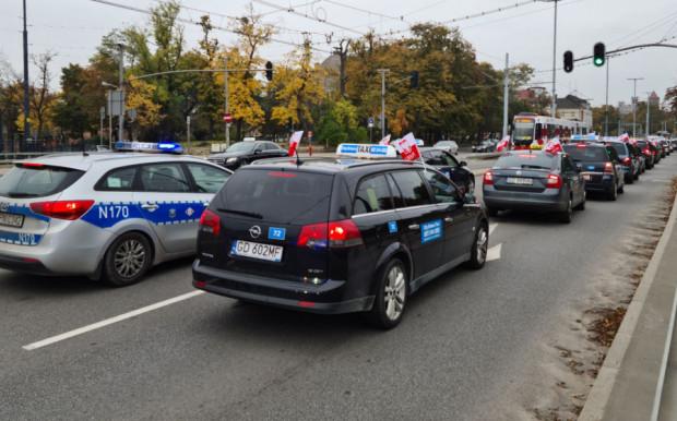 Kika dni temu protestujący taksówkarze zablokowali obwodnicę i centrum Gdańska. Teraz sformułowali swoje postulaty w pismach do prezydentów Gdańska, Gdyni i Sopotu.