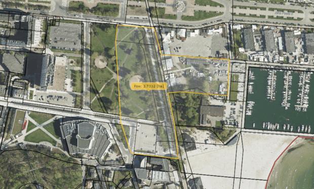 Według radnego dzielnicy Śródmieście w zamian za zabudowę pierzei wzdłuż ul. Borchardta miasto mogłoby zagospodarować na park zaznaczony teren. Czy jest szansa na taki kompromis?