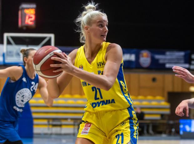 Laura Miskiniene zdobywa średnio 16 punktów w tym sezonie Energa Basket Ligi Kobiet, do których dopisuje prawie 14 zbiórek w meczu.