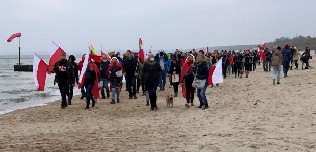 W niedzielę protest przeniósł się na plaże.