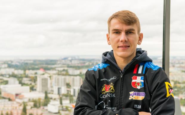 Wiktor Kułakow ma za sobą dwa znakomite sezony w eWinner 1. Lidze Żużlowej. W sezonie 2021 będzie zdobywał punkty dla Zdunek Wybrzeże Gdańsk.