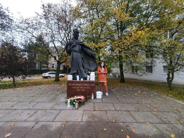 Posiłki zostały rozdane pod pomnikiem ks. Mariana Góreckiego w Nowym Porcie.
