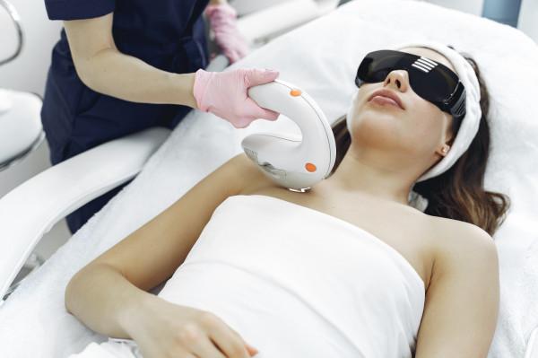 Zabiegi medycyny estetycznej są dostępne na rynku od ponad 20 lat.