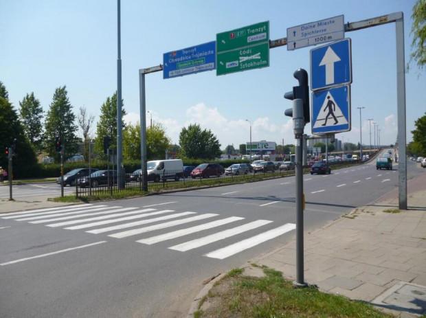 W miejsce dotychczasowej bramownicy na ul. Elbląskiej ustawiona zostanie nowa konstrukcja z nowym zestawem drogowskazów.
