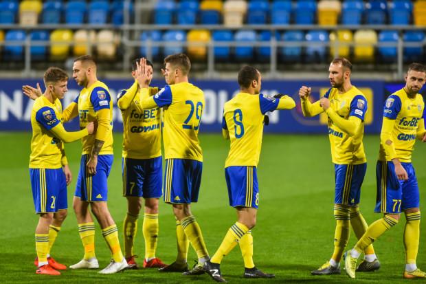 Piłkarze Arki Gdynia po 40 dniach oczekiwania odnieśli zwycięstwo i strzelili gola z gry. Jednak wiedzą, że tylko momentami ich gra w meczu z Koroną Kielce mogła się podobać.