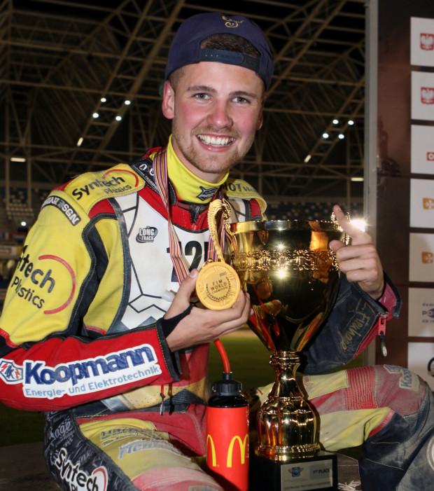 21-letni Lukas Fienhage w minionym sezonie został mistrzem świata na długim torze i 4. zawodnikiem mistrzostw Europy juniorów. Niemiec jest także finalistą indywidualnych mistrzostw świata do lat 21.