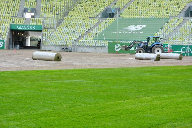 Po październikowych meczach reprezentacji wymieniono murawę na stadionie.