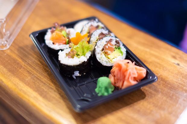 W Yatta Sushi dostaniemy wyłącznie sushi na wynos
