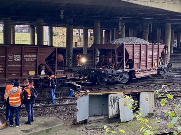 Wykolejone wagony w centrum Gdańska.
