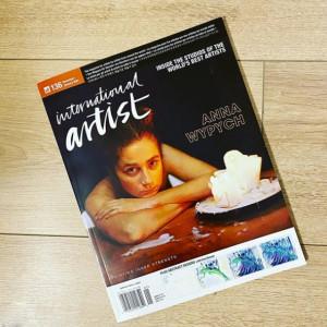 """Na okładkę magazynu International Artist trafiła praca zatytułowana """"Fundamental thing"""" (olej na płótnie)."""
