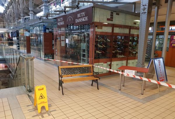Obostrzenia w handlu dotknęły także kupców z Hali Targowej w Gdańsku.