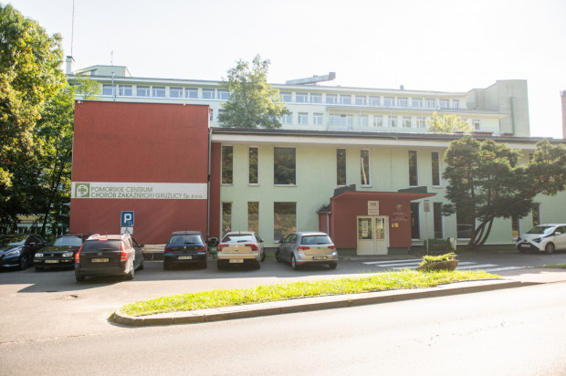 Pomorskie Centrum Chorób Zakaźnych i Gruźlicy mieści się przy ul. Mariana Smoluchowskiego 18 w Gdańsku, za Uniwersyteckim Centrum Klinicznym, patrząc od strony Alei Zwycięstwa.